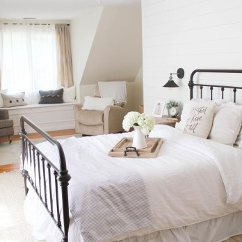 Cool French Country Master Bedroom Design Ideas With Farmhouse Style 32