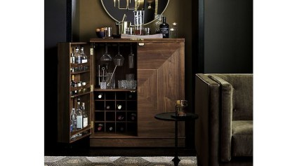Delicate Home Bar Design Ideas That Make Your Flat Look Great 31