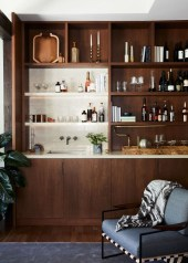 Delicate Home Bar Design Ideas That Make Your Flat Look Great 33