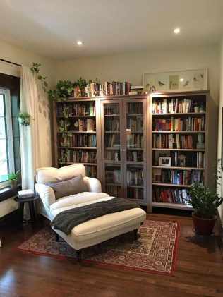 Elegant Bookshelves Decor Ideas That Trending Today 20