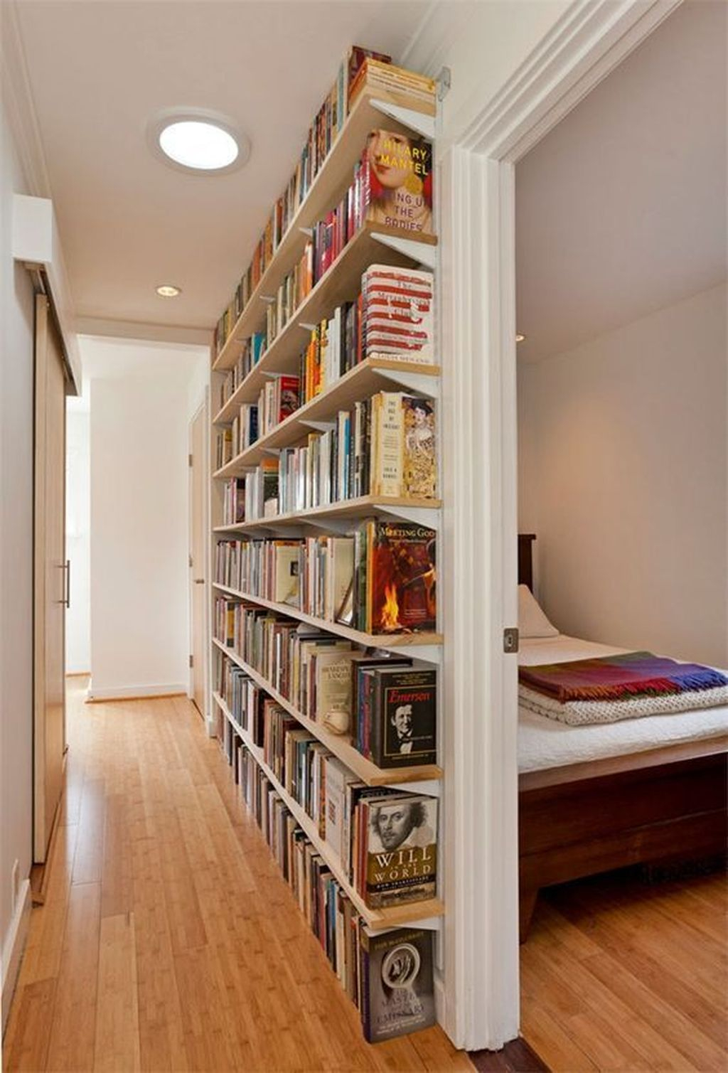 Elegant Bookshelves Decor Ideas That Trending Today 34