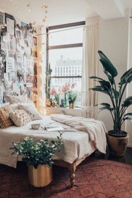 Lovely Bedroom Decor Ideas For Small Apartment 07