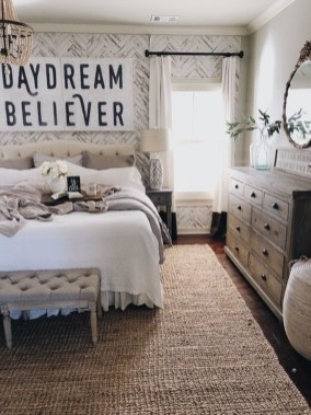 Lovely Bedroom Decor Ideas For Small Apartment 15