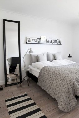 Lovely Bedroom Decor Ideas For Small Apartment 17