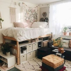 Lovely Bedroom Decor Ideas For Small Apartment 31