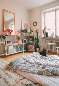 Lovely Bedroom Decor Ideas For Small Apartment 39