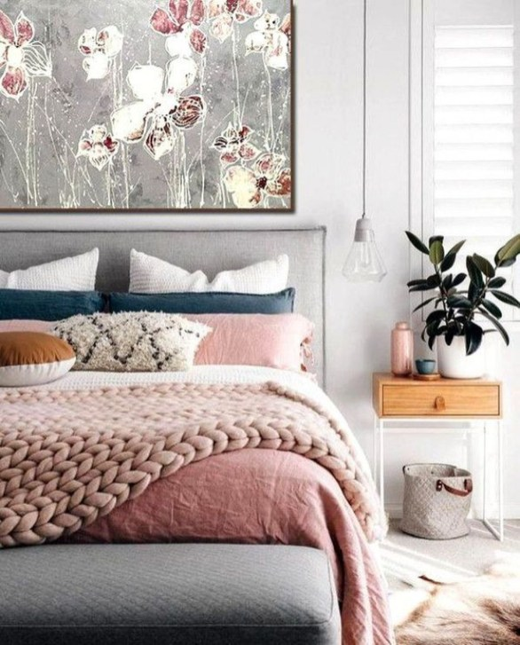 Lovely Bedroom Decor Ideas For Small Apartment 55