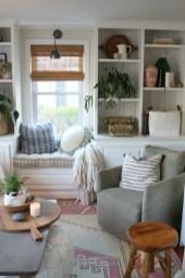 Pretty Bookshelves Design Ideas For Your Family Room 11
