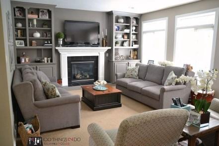 Pretty Bookshelves Design Ideas For Your Family Room 20