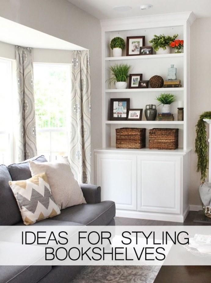 Pretty Bookshelves Design Ideas For Your Family Room 22
