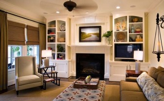 Pretty Bookshelves Design Ideas For Your Family Room 42