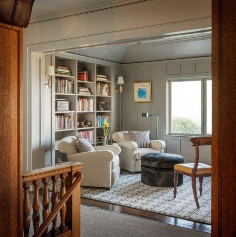 Pretty Bookshelves Design Ideas For Your Family Room 44