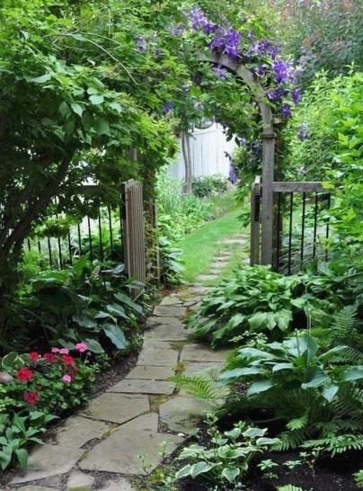 Pretty Frontyard Landscaping Design Ideas 22