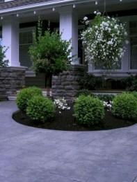 Pretty Frontyard Landscaping Design Ideas 35