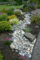 Pretty Frontyard Landscaping Design Ideas 43