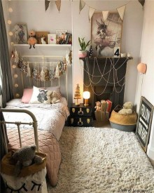 Stylish Bedroom Decoration Ideas For Your Apartment 12