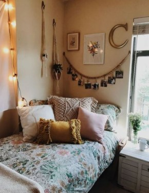 Stylish Bedroom Decoration Ideas For Your Apartment 14