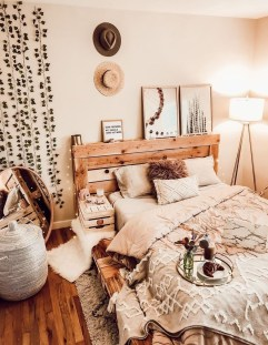 Stylish Bedroom Decoration Ideas For Your Apartment 20