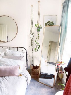 Stylish Bedroom Decoration Ideas For Your Apartment 58