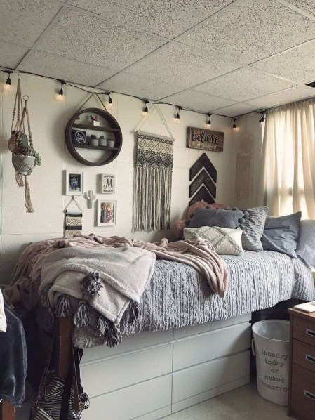 Adorable Dorm Room Design Ideas On A Budget 34