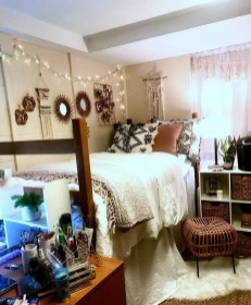 Adorable Dorm Room Design Ideas On A Budget 41