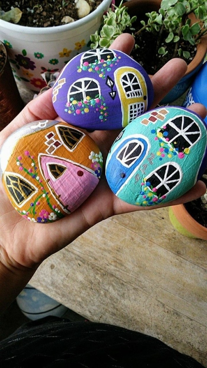 Affordable Diy Painted Rock Ideas For Home Decoration 09