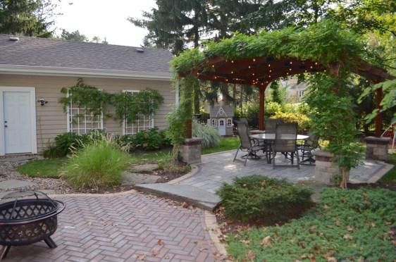 Amazing Backyard Landscaping Design Ideas On A Budget 06