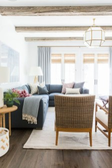 Best Coastal Living Room Decorating Ideas 14