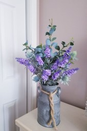 Cool Floral Arrangement Ideas To Beautify Your Room 04
