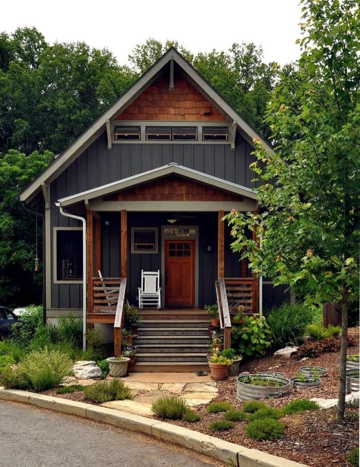 Incredible Farmhouse Exterior Design Ideas To Try 11