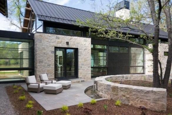 Incredible Farmhouse Exterior Design Ideas To Try 40