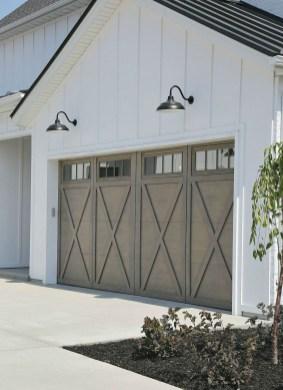 Incredible Farmhouse Exterior Design Ideas To Try 42