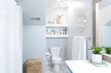 Inspiring Bathroom Decor Ideas With Turquoise Color To Consider 21