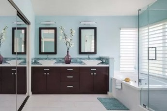 Inspiring Bathroom Decor Ideas With Turquoise Color To Consider 41