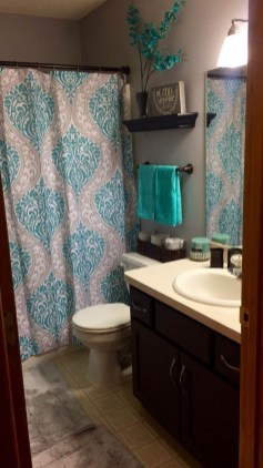 Inspiring Bathroom Decor Ideas With Turquoise Color To Consider 46