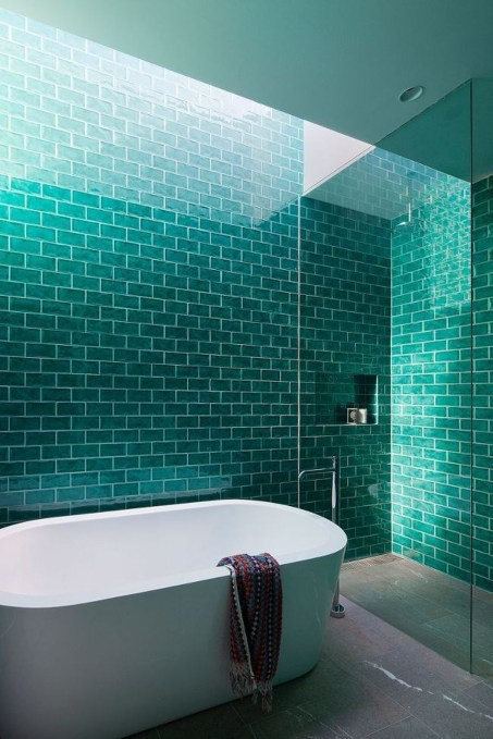Inspiring Bathroom Decor Ideas With Turquoise Color To Consider 48