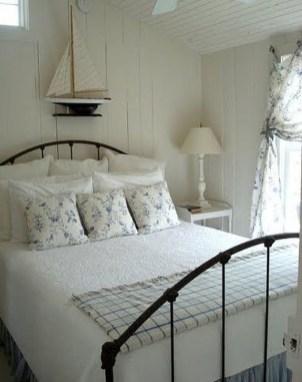 Perfect Coastal Bedroom Decorating Ideas To Apply Asap 53
