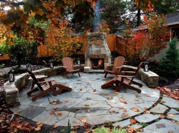 Pretty Seating Area Ideas With Outside Fireplace 05
