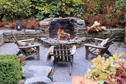 Pretty Seating Area Ideas With Outside Fireplace 19