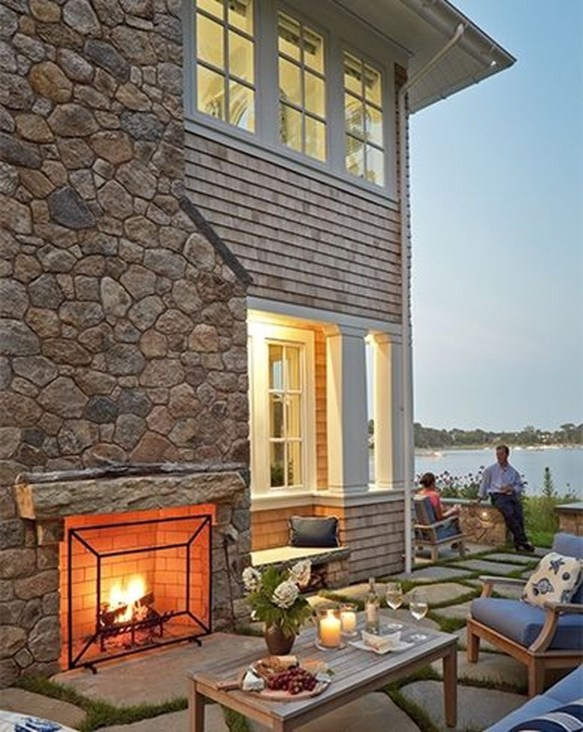 Pretty Seating Area Ideas With Outside Fireplace 43
