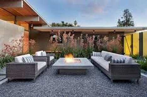 Pretty Seating Area Ideas With Outside Fireplace 47