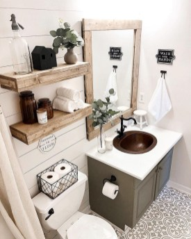 Adorable Farmhouse Bathroom Decor Ideas That Looks Cool 22