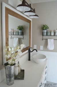 Adorable Farmhouse Bathroom Decor Ideas That Looks Cool 36
