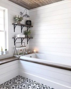 Adorable Farmhouse Bathroom Decor Ideas That Looks Cool 37