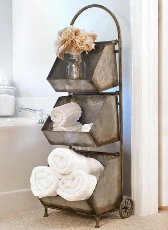 Adorable Farmhouse Bathroom Decor Ideas That Looks Cool 43