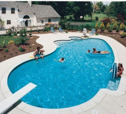 Amazing Swimming Pools Design Ideas For Small Backyards 10