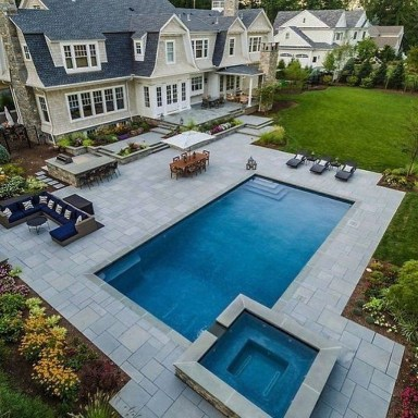 Amazing Swimming Pools Design Ideas For Small Backyards 15