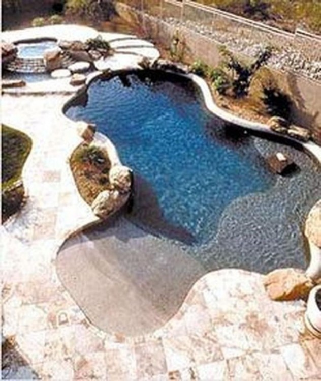 Amazing Swimming Pools Design Ideas For Small Backyards 34