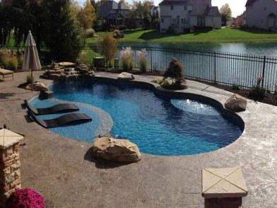 Amazing Swimming Pools Design Ideas For Small Backyards 47