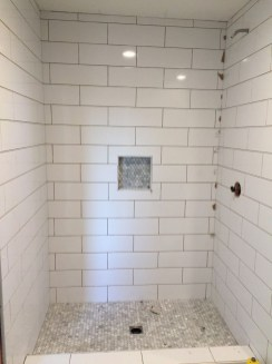 Astonishing Farmhouse Shower Tile Decor Ideas To Try 01